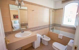 Bathroom Coral Los Silos - Your Natural Accommodation Choice